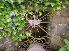 Photo:Watnall Holy well